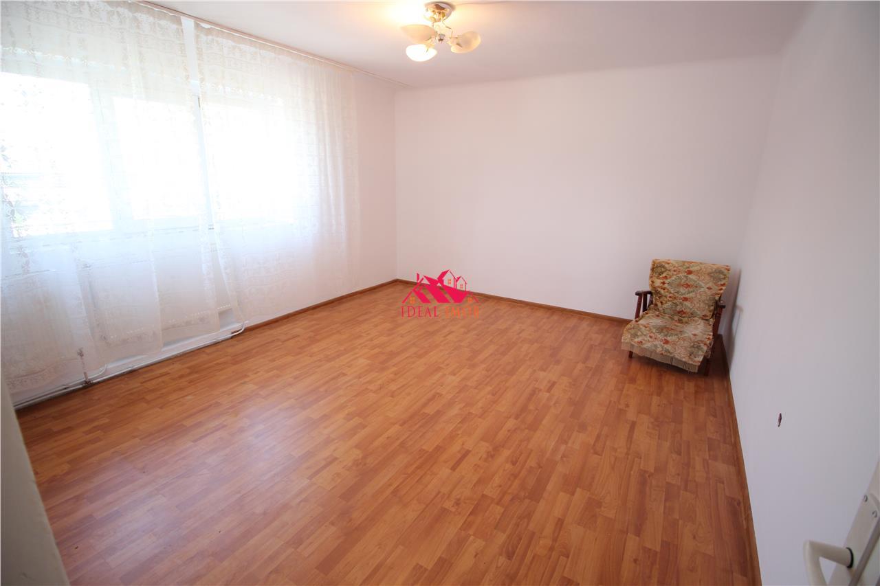 Apartament Decomandat Zona Centrala