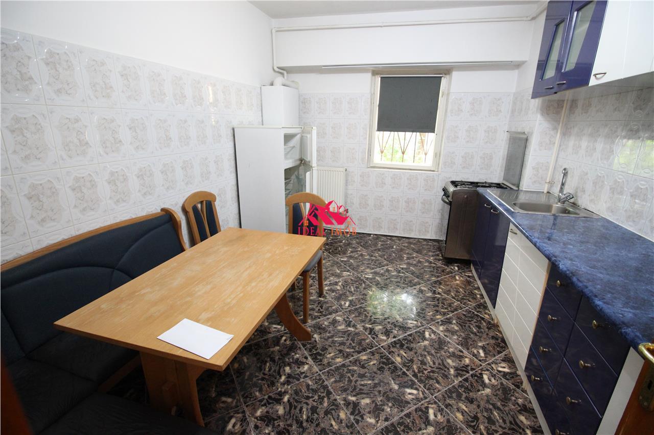 Apartament 3 Camere Decomandate Zona Orizont - 73 mp
