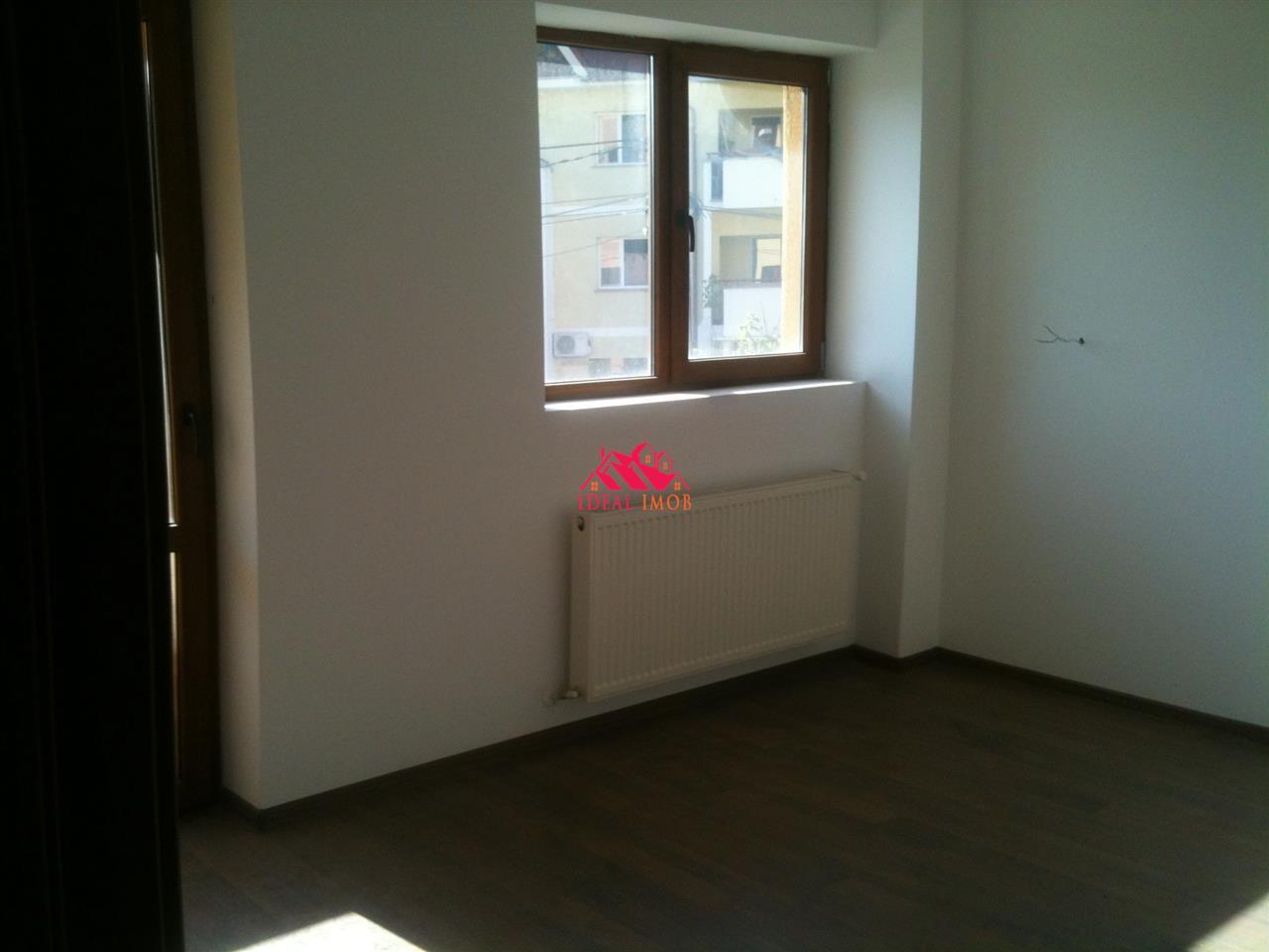 3 Camere etaj 1 - Bloc Nou