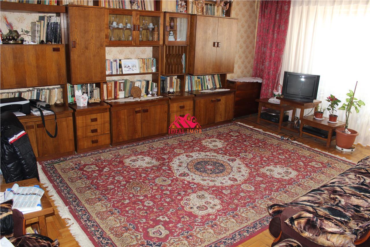 3 Camere Parcul Patrascanu,Bloc 1996