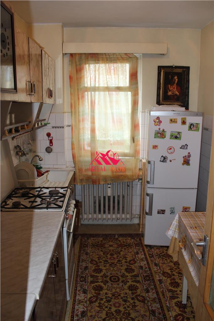 2 Camere Cornisa - Etaj 3