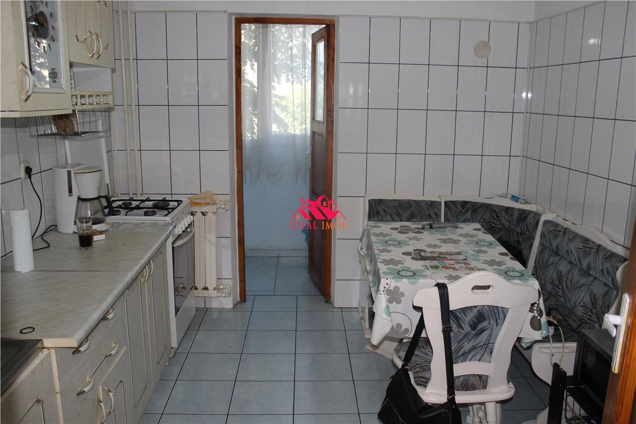 2 Decomandate - Bucatarie Mare 29.900 Euro