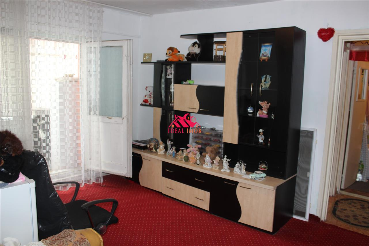 2 Camere Republicii 25.900 Euro Neg.