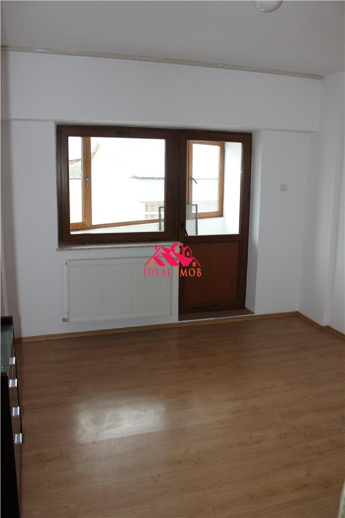 Apartament Mobilat / Utilat