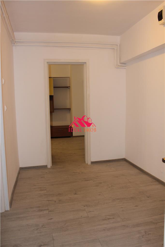 3 Decomandate Stefan Cel Mare, etaj 1