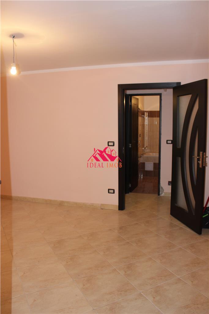 2 Camere Piata Sud - Complet Renovat