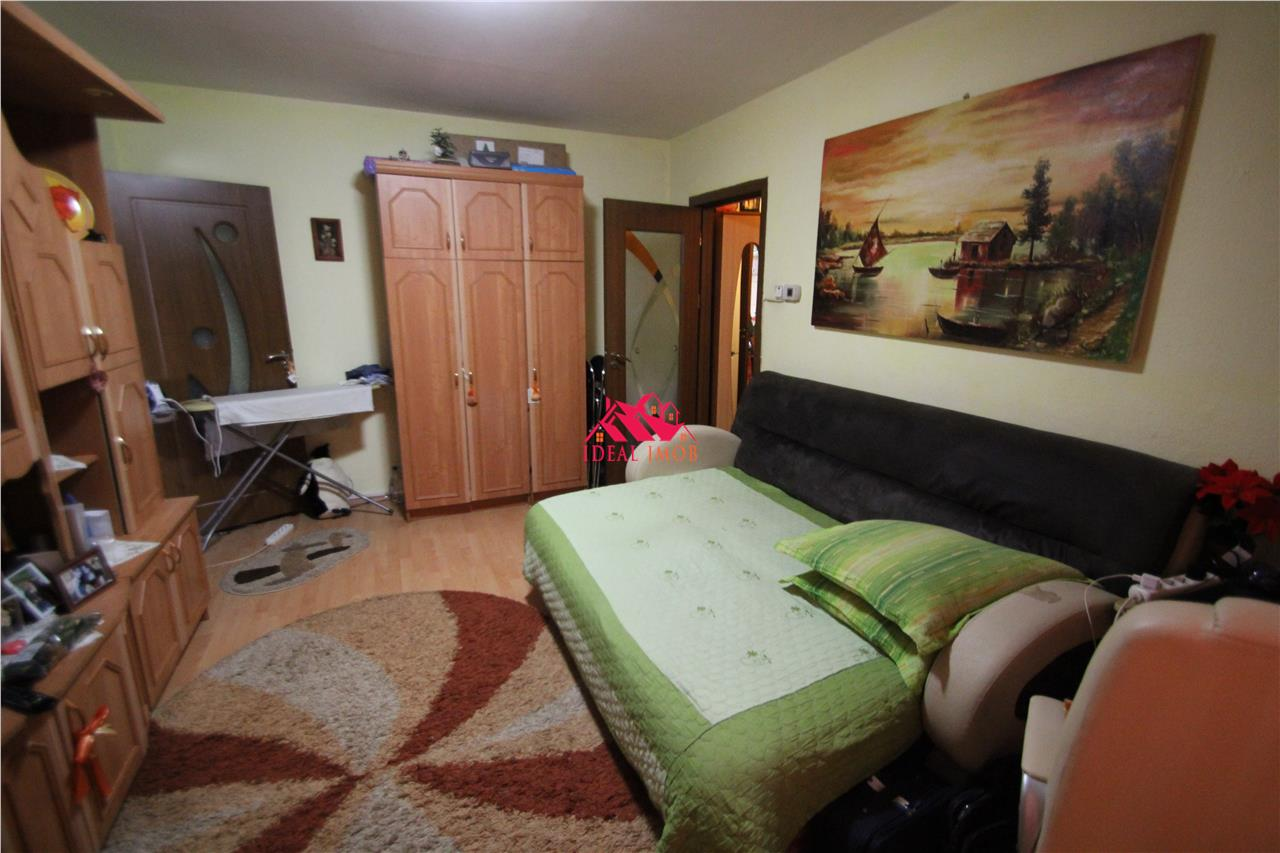 2 Camere Zona Orizont 33.900 Euro