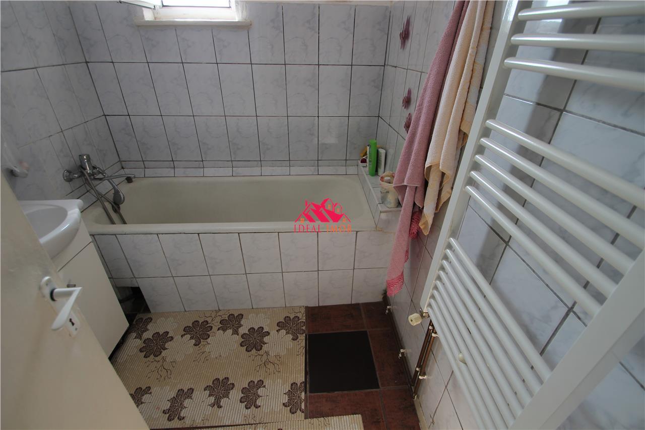 3 Camere Decomandate Mobilat