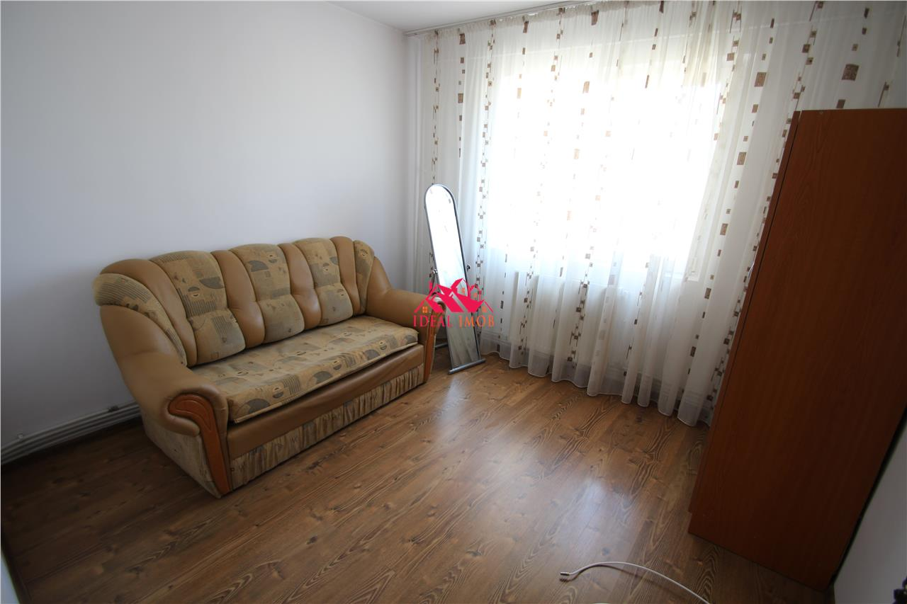 2 Camere Zona Cora - Renovat