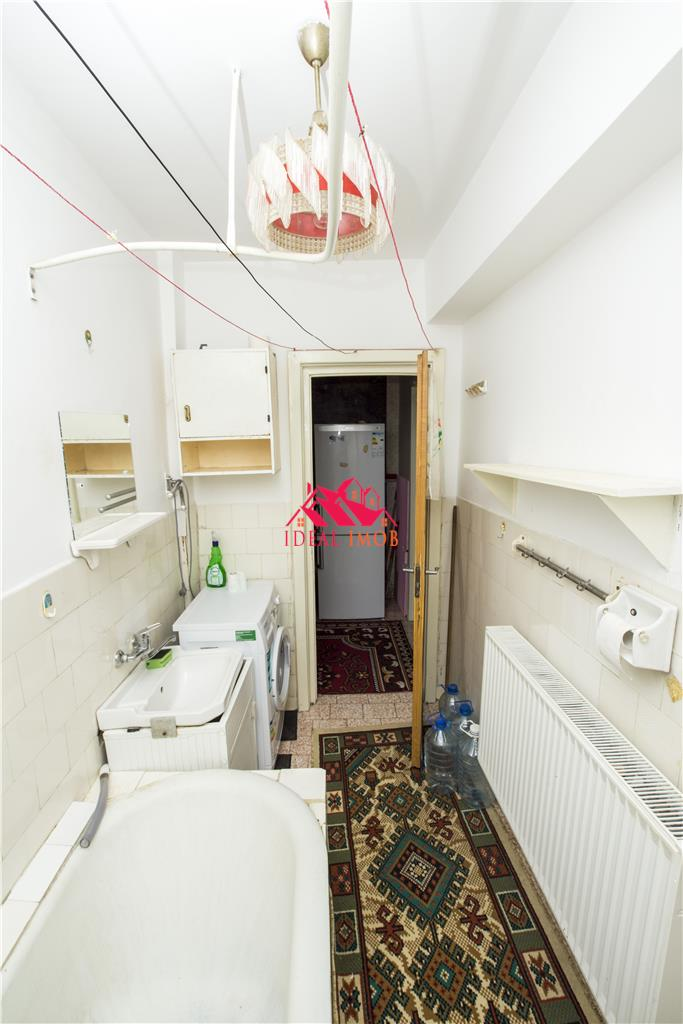 2 Camere Zona Ultracentrala - Etaj 2