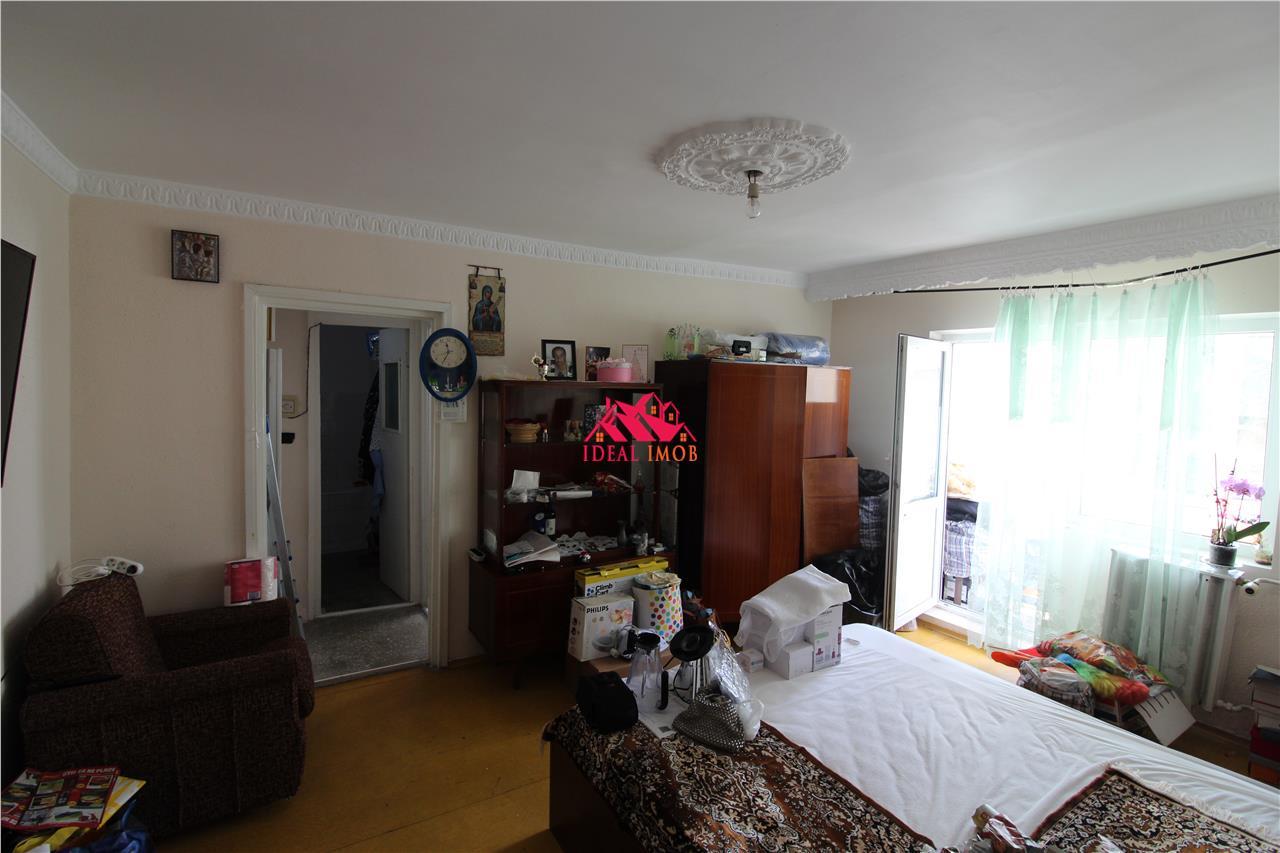 Apartament Semidecomandat - Etaj 2